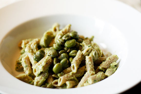 avocado-pasta-vegan-recept-simpel